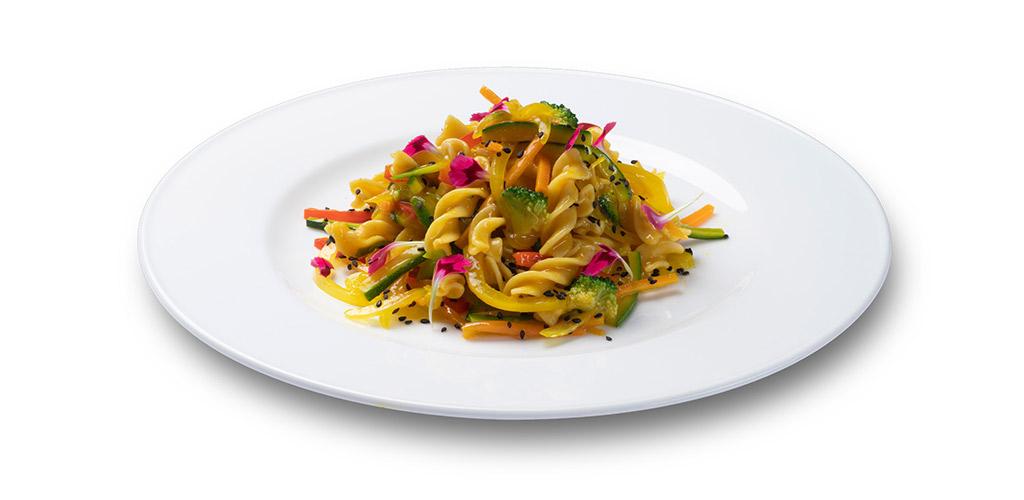 foto piatto Fusilli 30-70 con curry di verdure