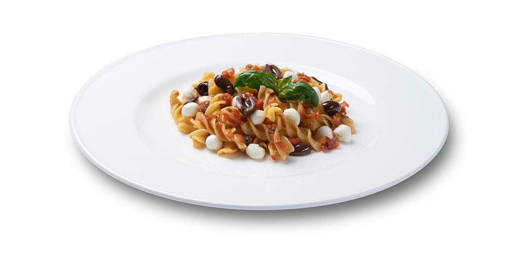 foto piatto Fusilli 30-70 con pomodorini confit, basilico, ciliegine di bufala e olive taggiasche