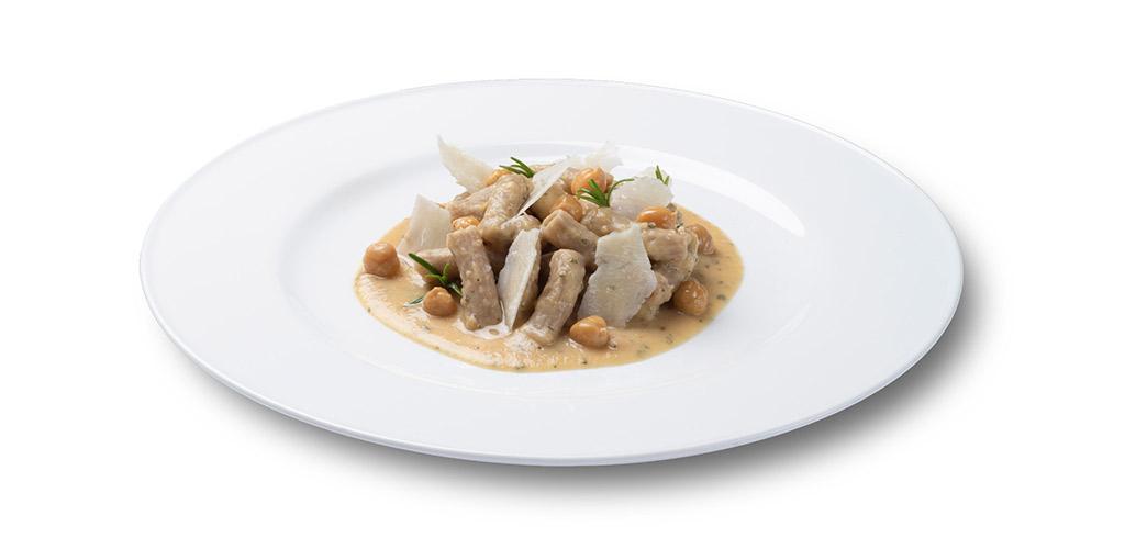 foto piatto Sedanini 30-70 al farro con crema di ceci al rosmarino e pecorino
